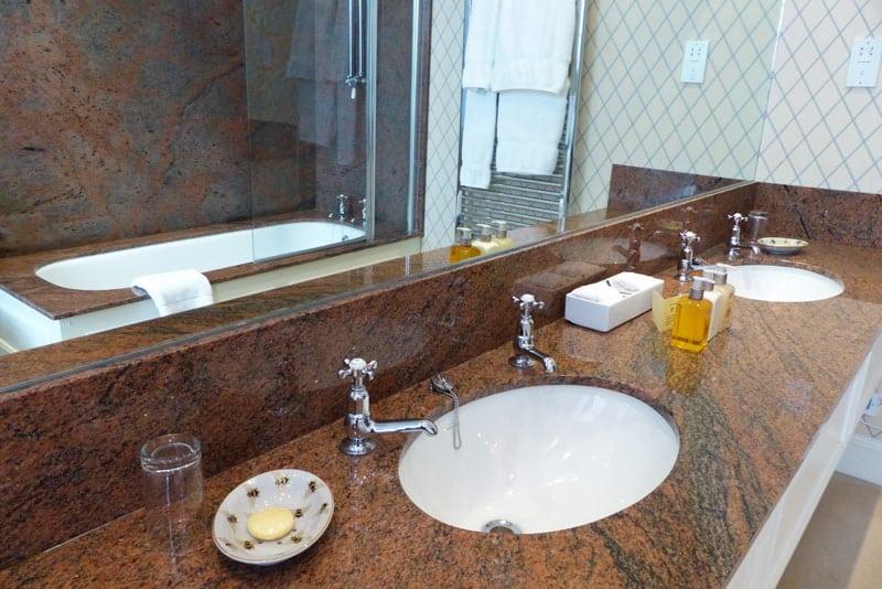 Bathroom at Kinloch House